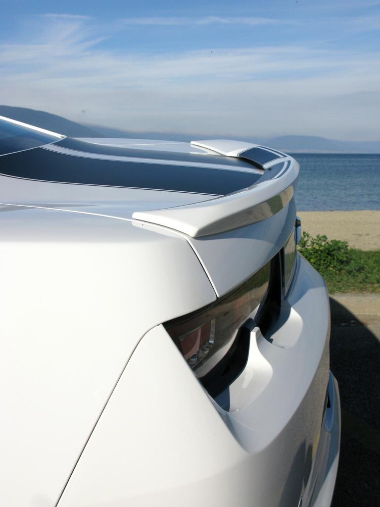 Chevrolet Camaro: Der Heckspoiler betont den sportlichen Auftritt.