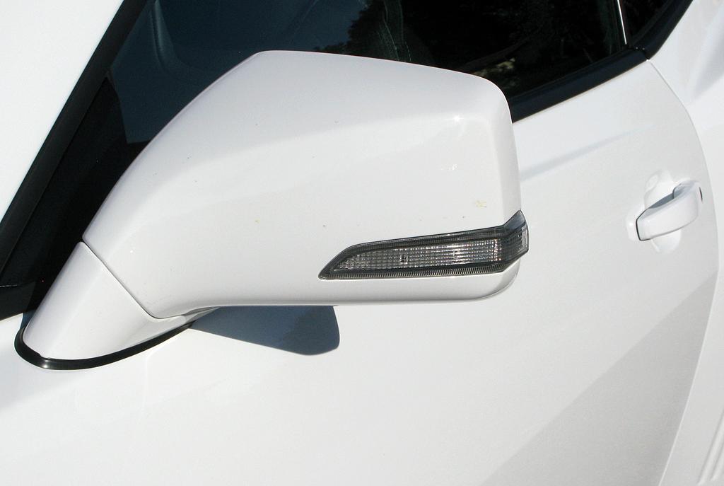 Chevrolet Camaro: In die Außenspiegel sind Blinkleisten integriert.