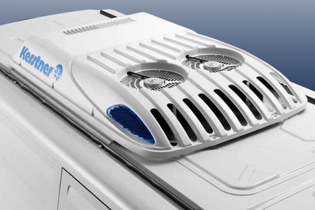 Das extrem flache Kälteaggregat auf dem Fahrzeugdach weist auch aerodynamische Bestwerte auf, die den Kraftstoffmehrverbrauch des Fahrzeugs begrenzen.