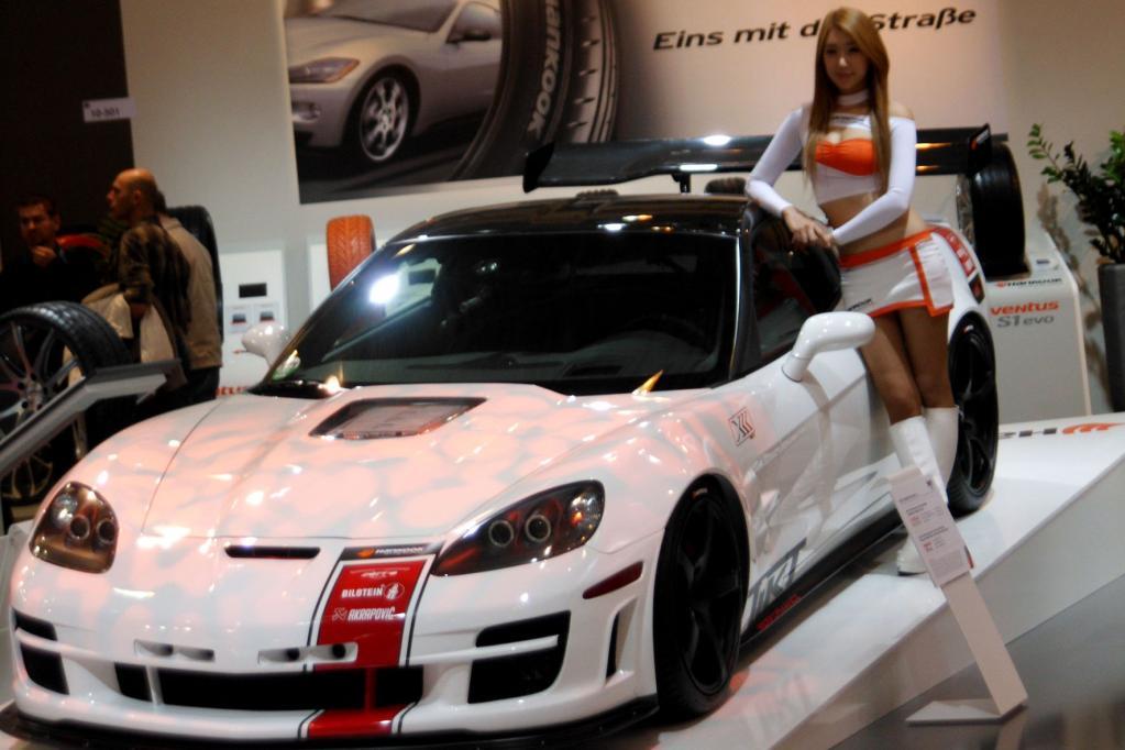 Die Autos der meisten deutschen Hersteller und der Importeure sind oft über die Haustuner, größere Händler oder über Zulieferer auf der Motor-Show in Essen präsent.