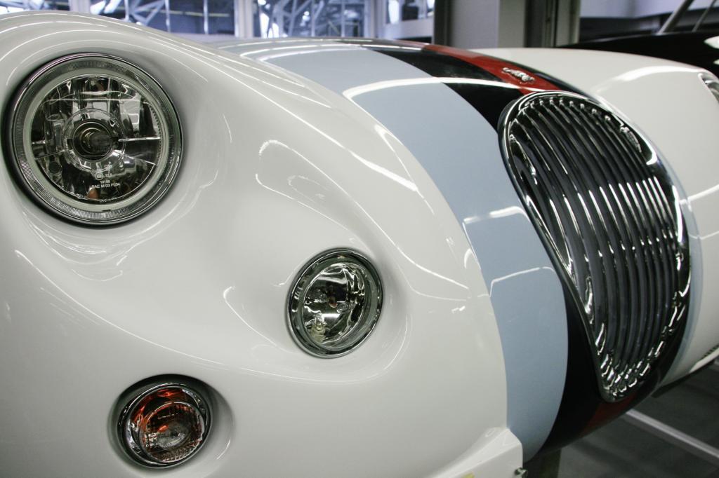 Die Bauzeit des Wiesmann Roadster MF3 geht mit einer 18 Exemplare zählenden Sonderserie