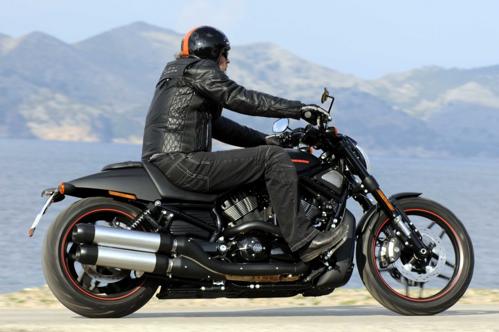 Die Night Rod Special bietet den günstigsten Einstieg in die potente V-Rod-Familie, die 2012 aus drei Modellen bestehen wird.