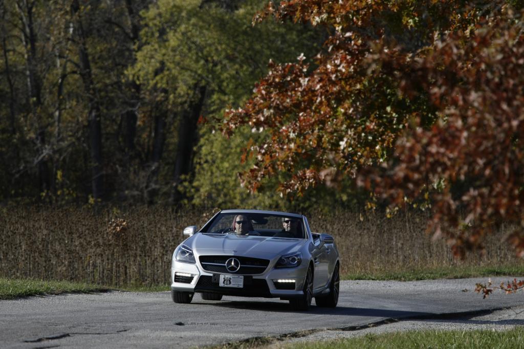 Die legendäre Route 66 ist das passende Geläuf für einen Hochleistungs-Roadster wie den Mercedes SLK 55 AMG