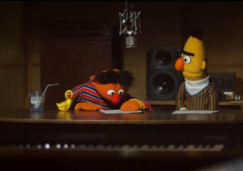 Ernie und Bert bei ihren Aufnahmen als neue Navi