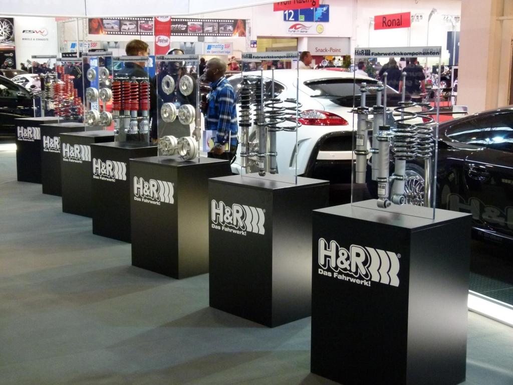 Essen Motor Show 2011: H&R präsentiert Rennfahrzeuge, Straßenboliden und Klassiker