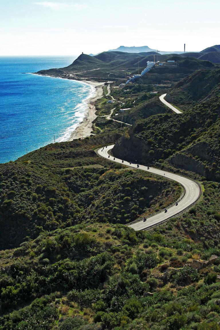 Für den Landstraßen-Test werden beim BMW Motorrad Camp im spanischen Almeria neben den aktuellen BMW-Motorrädern auch einige BMW K 1600 GTL und K 1600 GT zur Verfügung stehen.