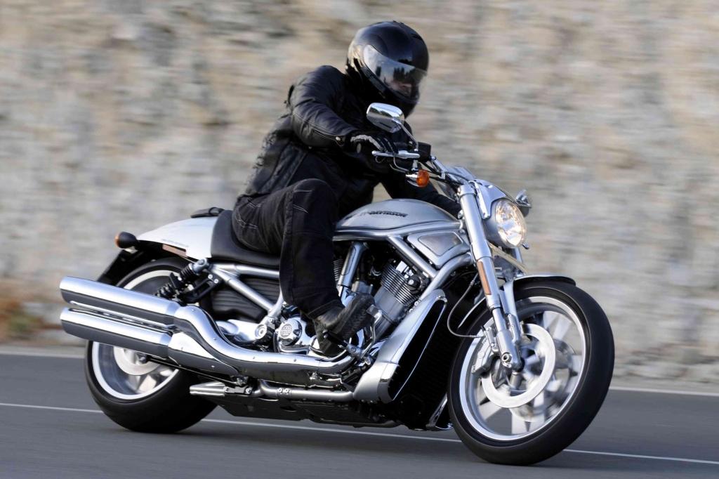 Harley: Mit zwei neuen V-Rod dynamisch ins neue Jahr