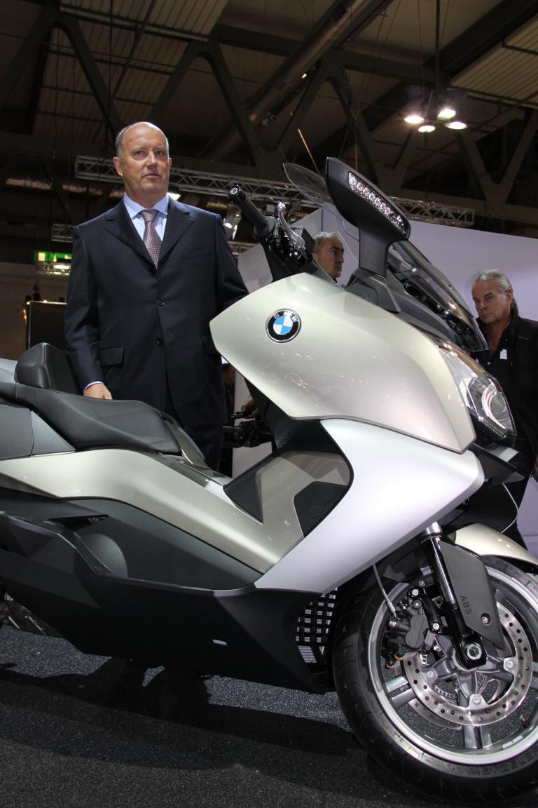 Hendrik von Kuenheim, Leiter BMW Motorrad bei der Weltpremiere der Motorroller C 600 Sport und C 650 GT, will im Rollermarkt noch weitere Duftnoten setzen.