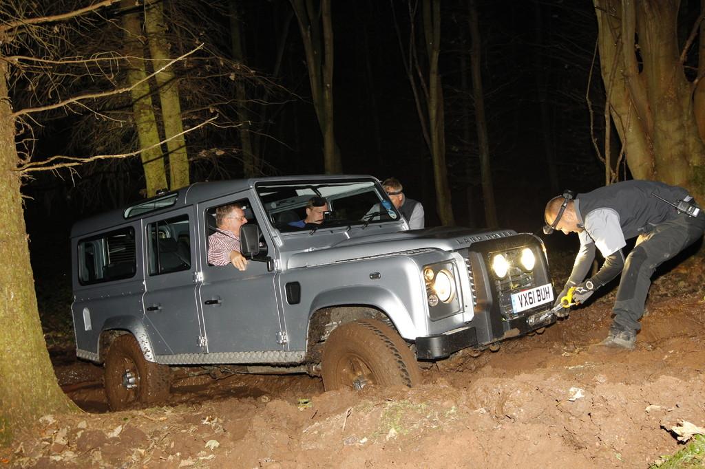Land Rover Defender 2012: Reif für den Haken.