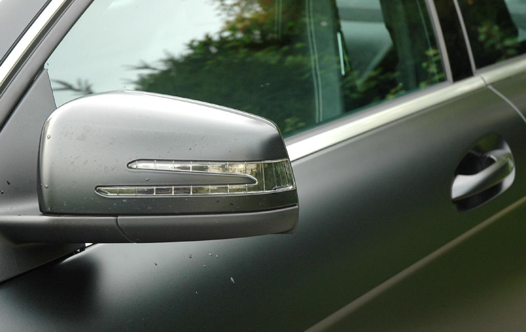 Mercedes C250 CDI Coupé: In die Außenspiegel sind Blinkleisen integriert.