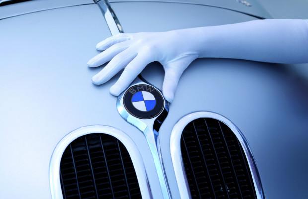 Nacht der weißen Handschuhe im BMW-Museum
