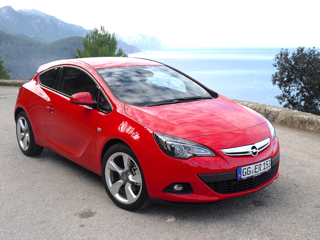 Opels Astra GTC ist die dreitürige Coupé-Variante der Kompaktbaureihe: