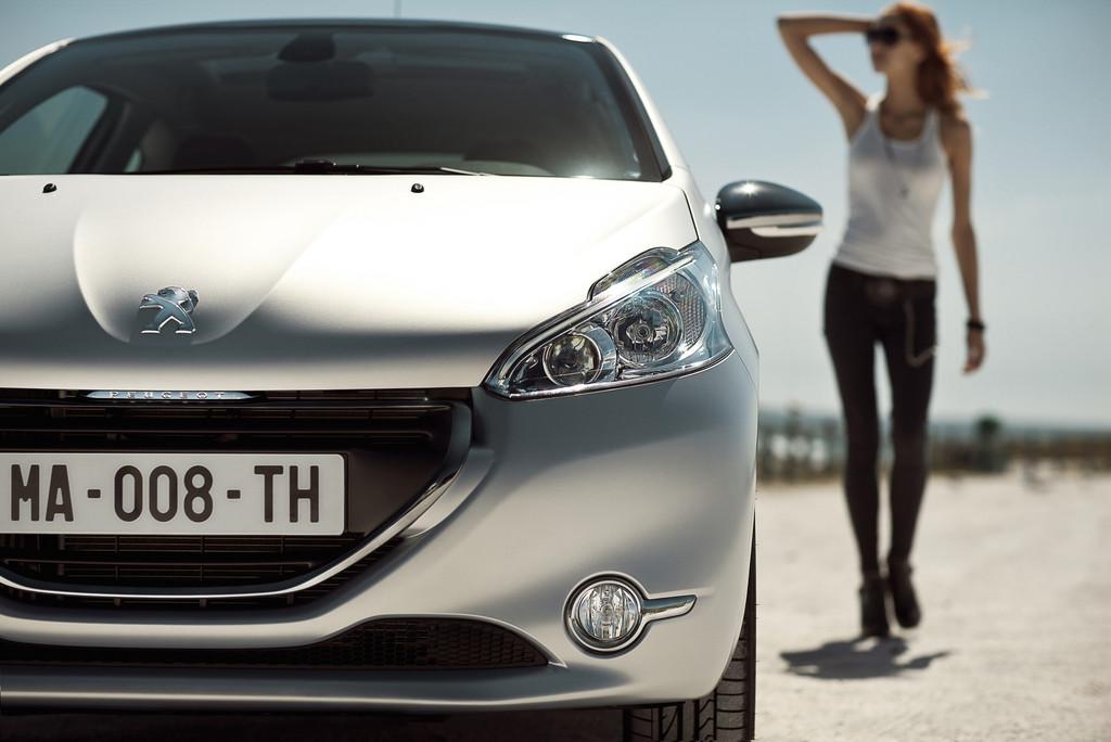 Peugeot 208 startet im Internet