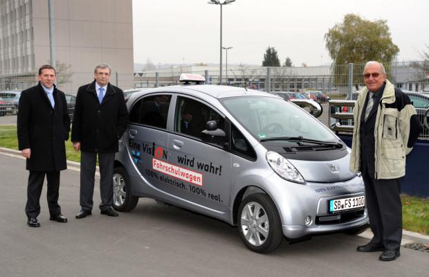 Peugeot Ion erstes Elektroauto für Fahrschulen
