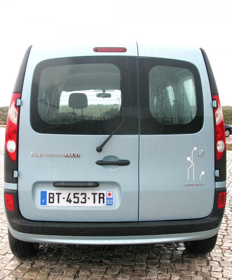 Renault Kangoo ZE: Die Hecktüren sind asymmetrisch angeordnet.