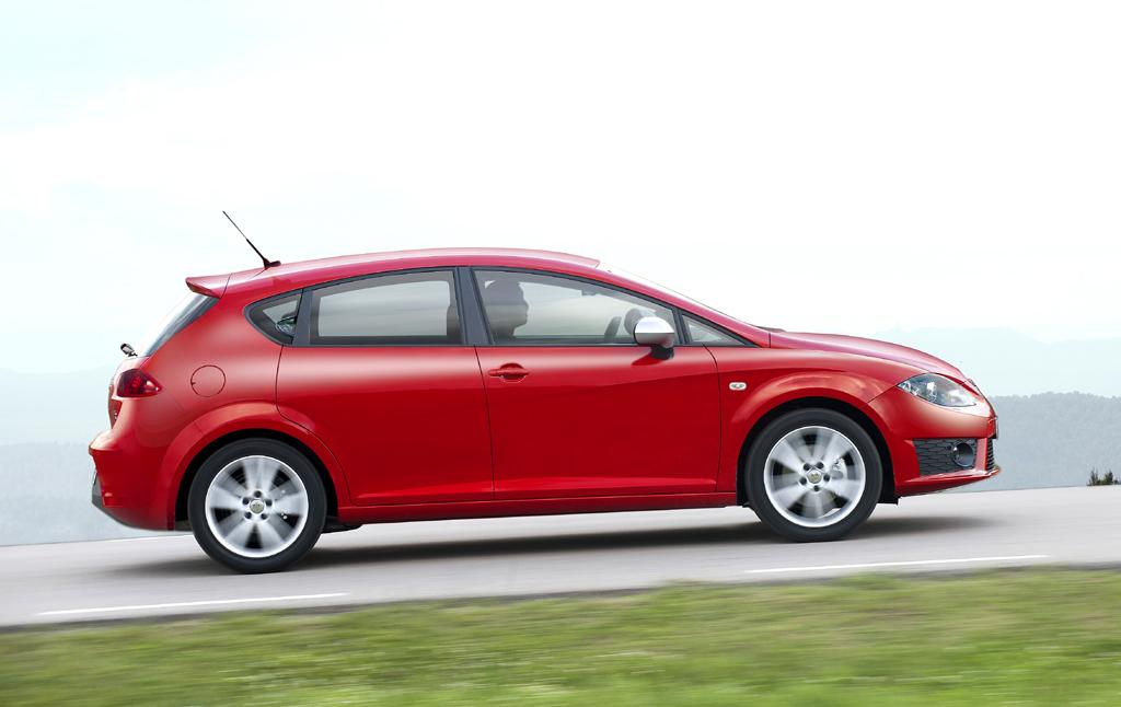 Seat León FR: Und so sieht der fünftürige Spanier von der Seite aus.
