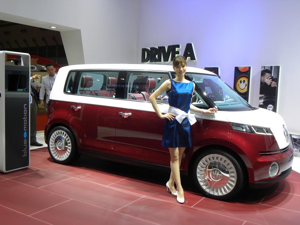 Tokio 2011: Volkswagen hat den E-Bulli dabei