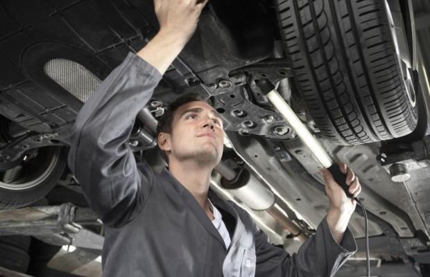 Umfrage - Autofahrer vertrauen Vertragswerkstatt