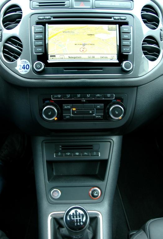 VW Tiguan: Blick auf den mittleren Armaturenträger.