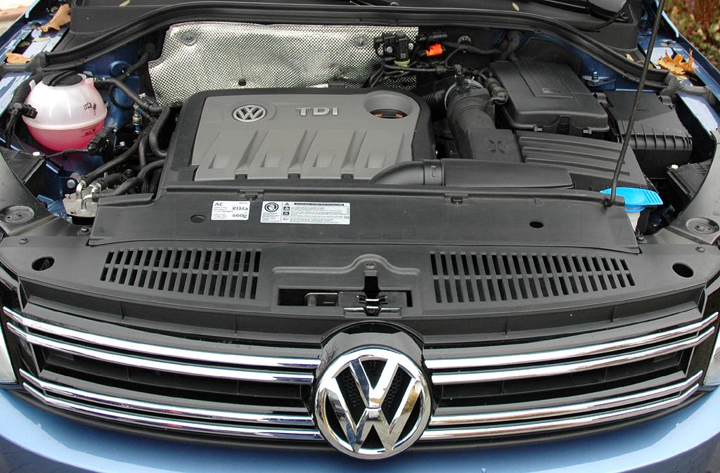 VW Tiguan: Blick unter die Haube auf den 2,0-Liter-Selbstzünder.