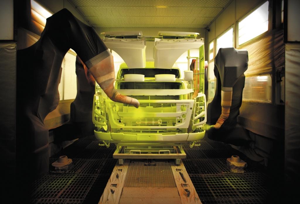Volvo Trucks modernisiert Lackiererei