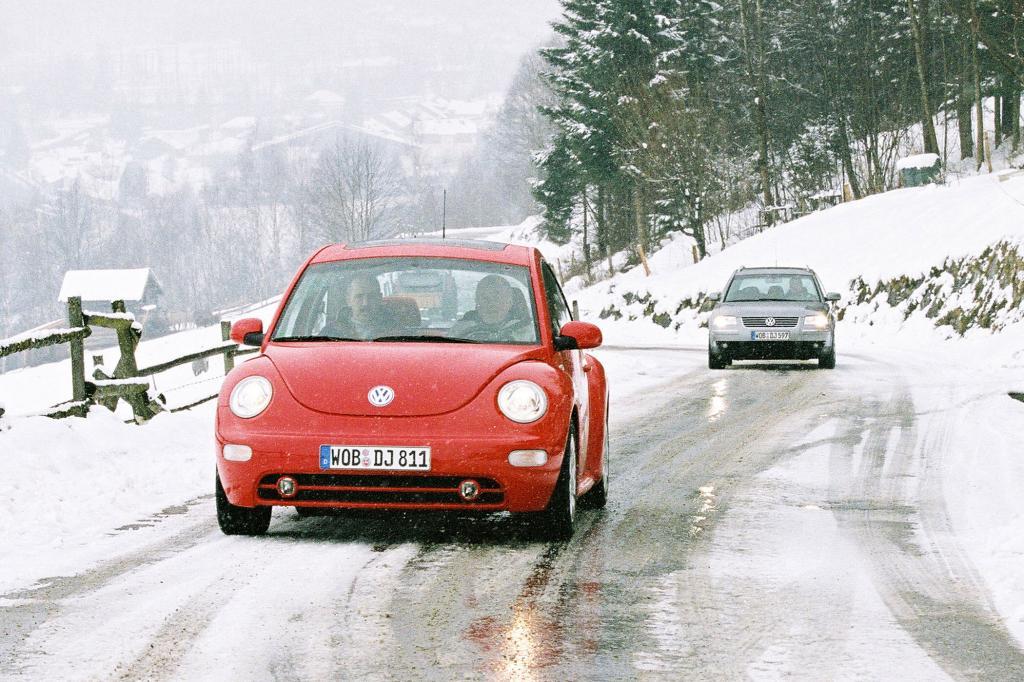 Von Blitzeis bis Raureif - Was Autofahrer über das Winterwetter wissen sollten