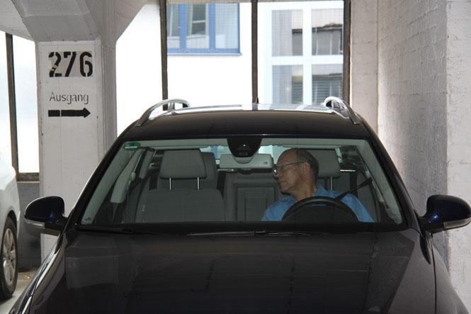 Zu eng, teuer und auch noch verschmutzt: Der ADAC testet deutsche Parkhäuser