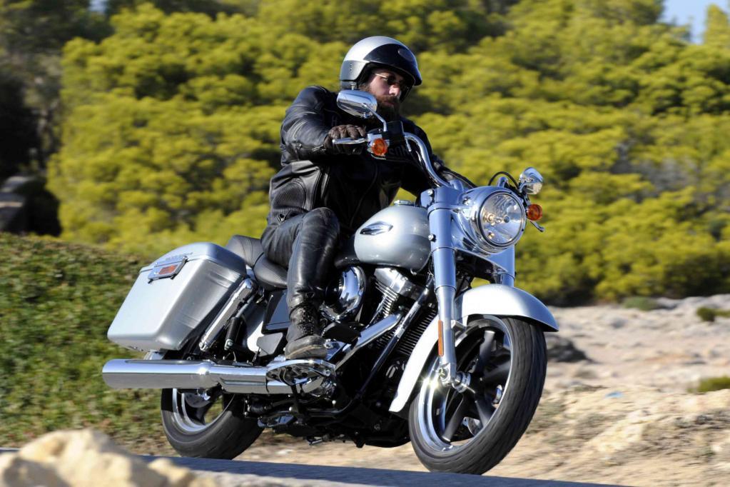 Zum Modelljahr 2012 erweitert Harley-Davidson mit dem Custom-Tourer Switchback die beliebte Dyna-Familie.
