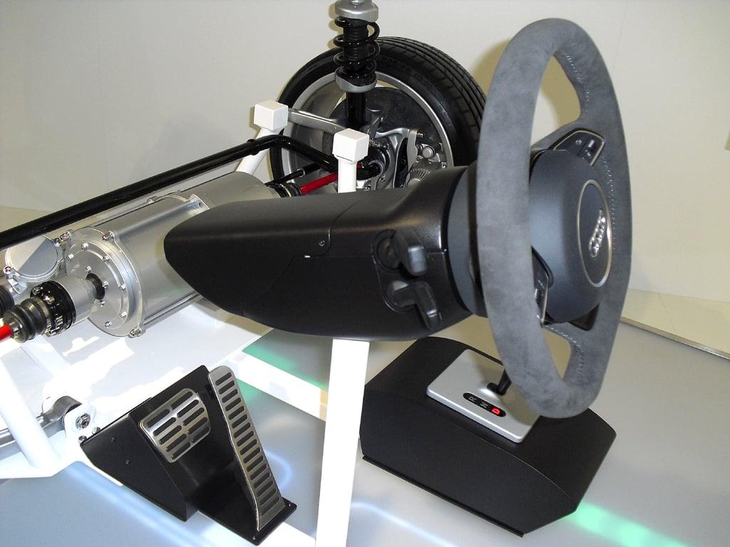 Aktive Sicherheit am Beispiel Audi (I): Neuartiges By-wire-Forschungsgebiet