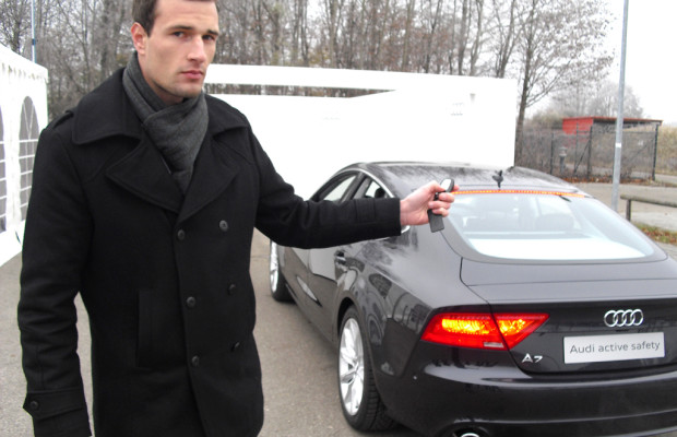 Aktive Sicherheit am Beispiel Audi (II): Allein in die Garage, Hilfe beim Rangieren