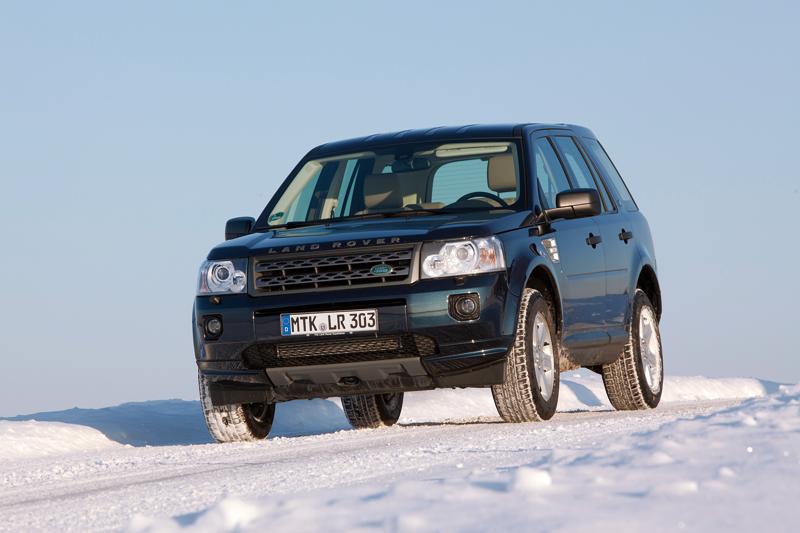 Alle Land Rover ab Modelljahr 1996 können E10 vertragen. Erkennbar sind auch diese an der 10. Stelle der Fahrzeug-Ident-Nummer. Dafür muss bei Landrover eines dieser Zeichen stehen: T, V, W, X, Y, 1, 2, 3, 4, 5, 6, 7, 8, 9