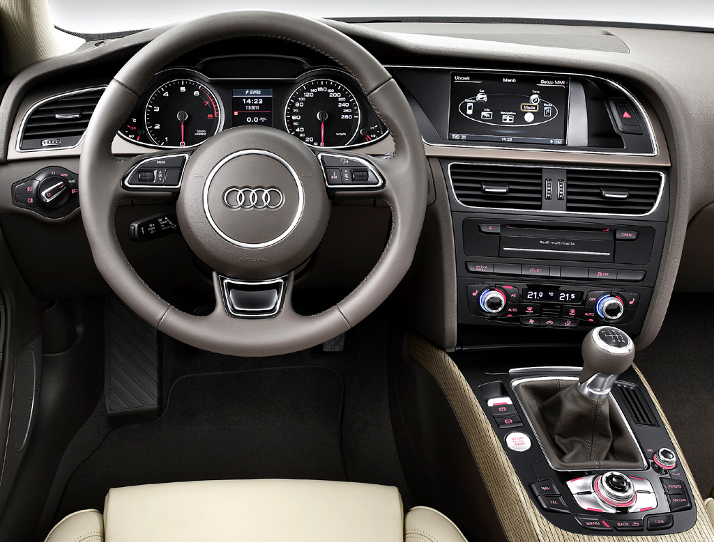 Audi A4: Blick ins sportlich-funktionelle Cockoit.