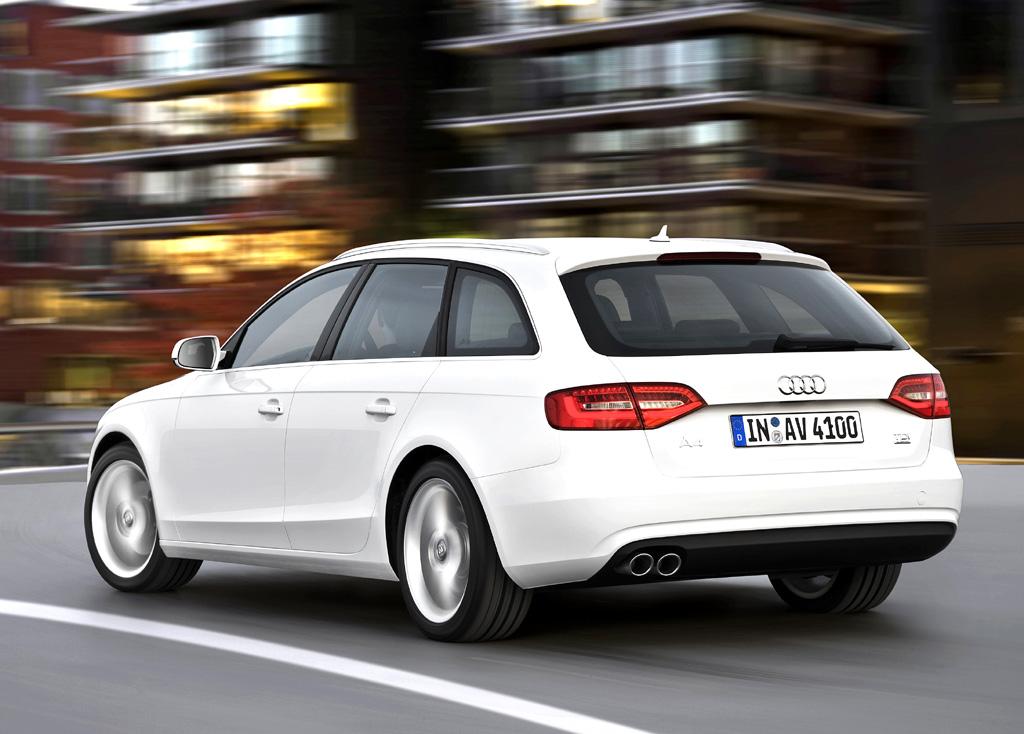 Audi A4: Heck-/Seitenansicht der Avant-Variante.