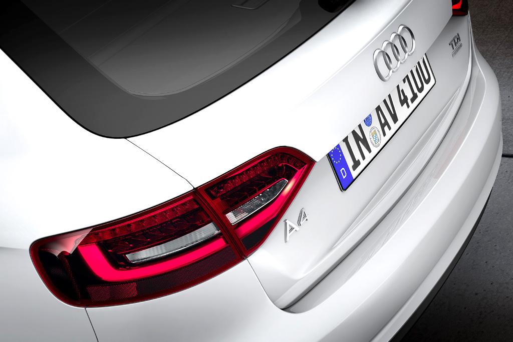 Audi A4: Moderne Leuchteinheit hinten an einem Avant-Diesel.