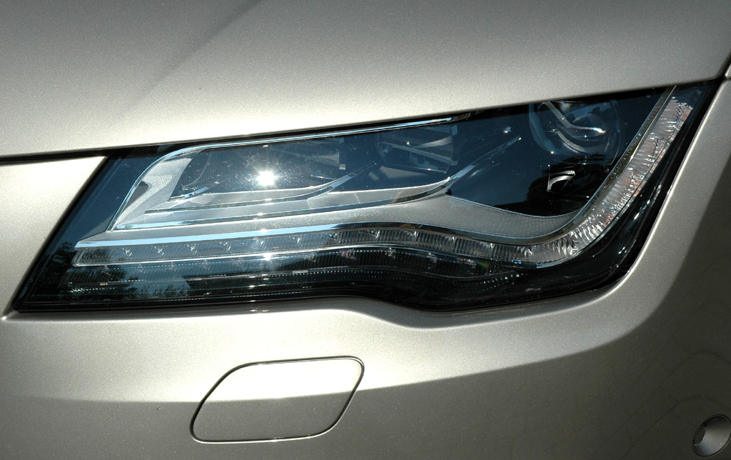Audi A7 Sportback: Moderne Leuchteinheit vorn.