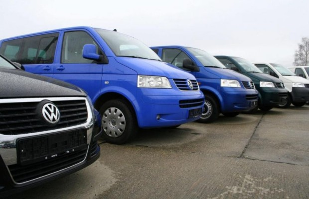 Autokauf im europäischen Ausland: Darauf ist bei Kaufabwicklung zu achten