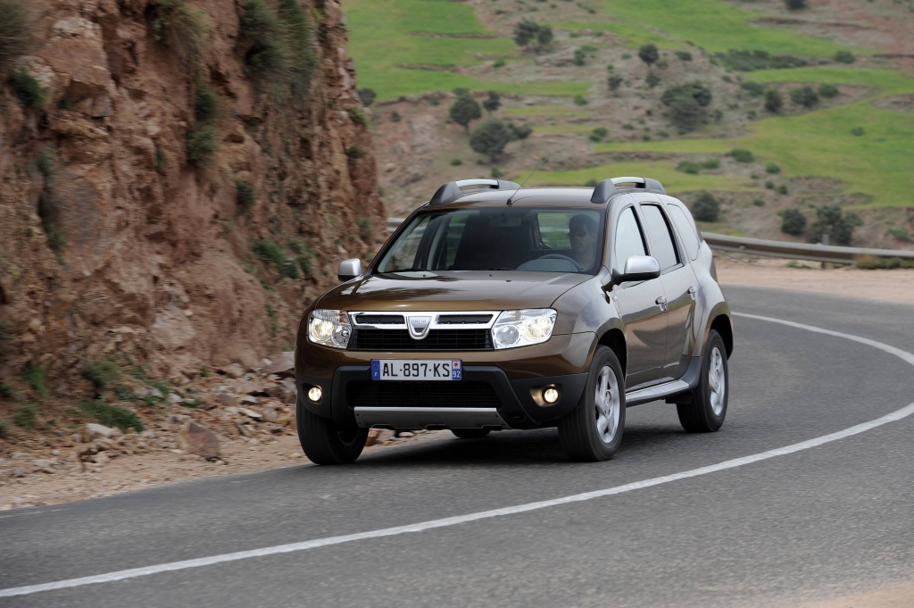 Bei Dacia vertragen die Modelle Logan, Logan MCV, Sandero, Duster, Pick-up und Express aller Baujahre den neuen E10-Kraftstoff.
