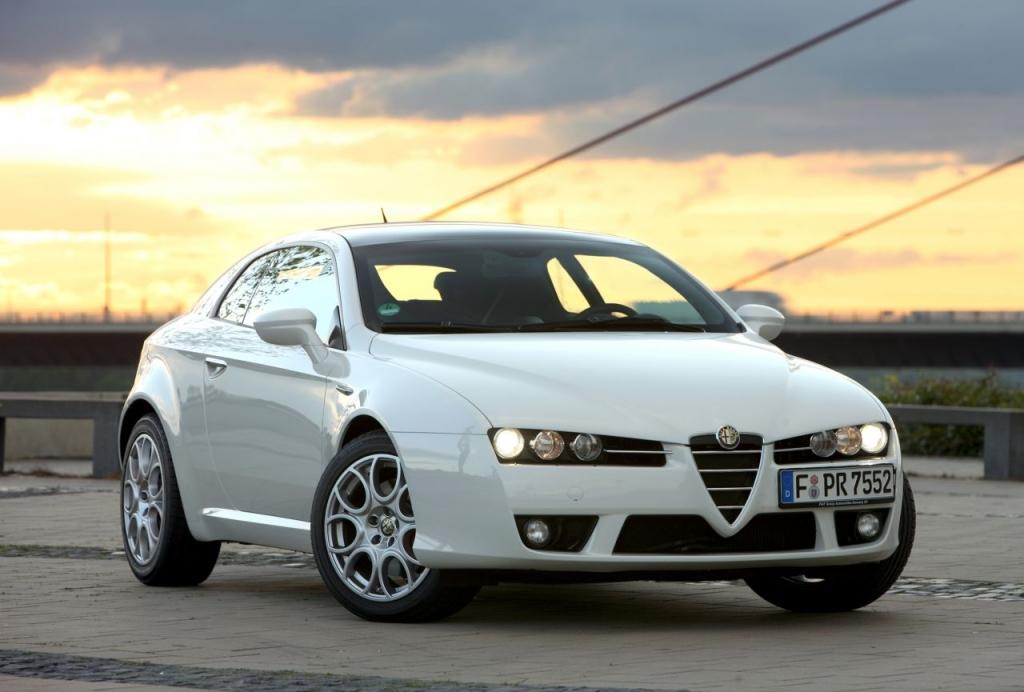 Beim Alfa Romeo Brera, sowie dem Alfa Spider, erhalten lediglich die Aggregate 1,8 TBi 16V und 3.2 JTS V6 eine E10-Freigabe.