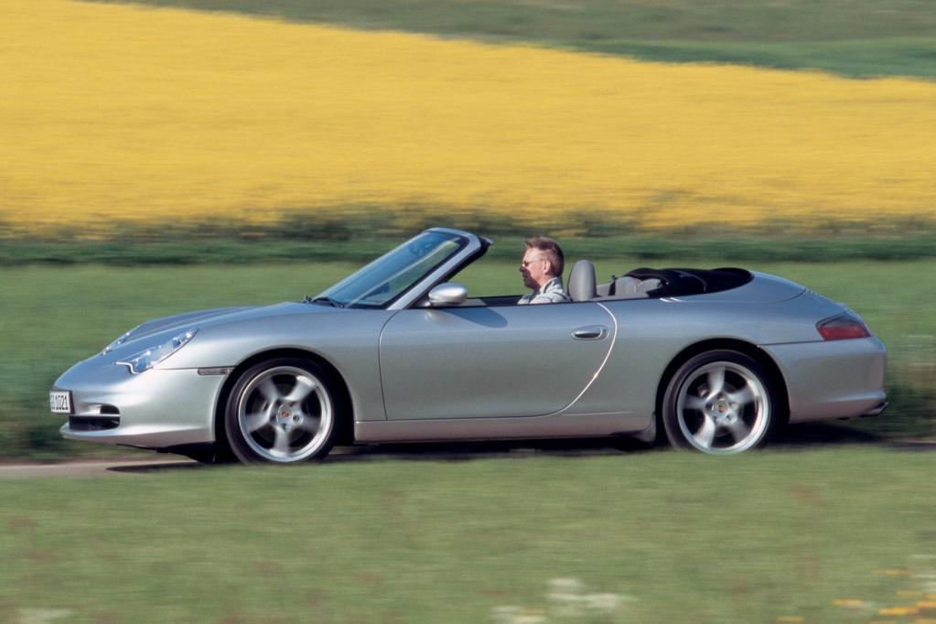 Beim Modell 996 mit dem 3,6-Liter-Motor findet man vereinzelt Fahrzeuge um 25 000 Euro. Mit dem 3,8-Liter-Motor ab dem Jahr 2001 geht fast nichts unter 30 000 Euro.