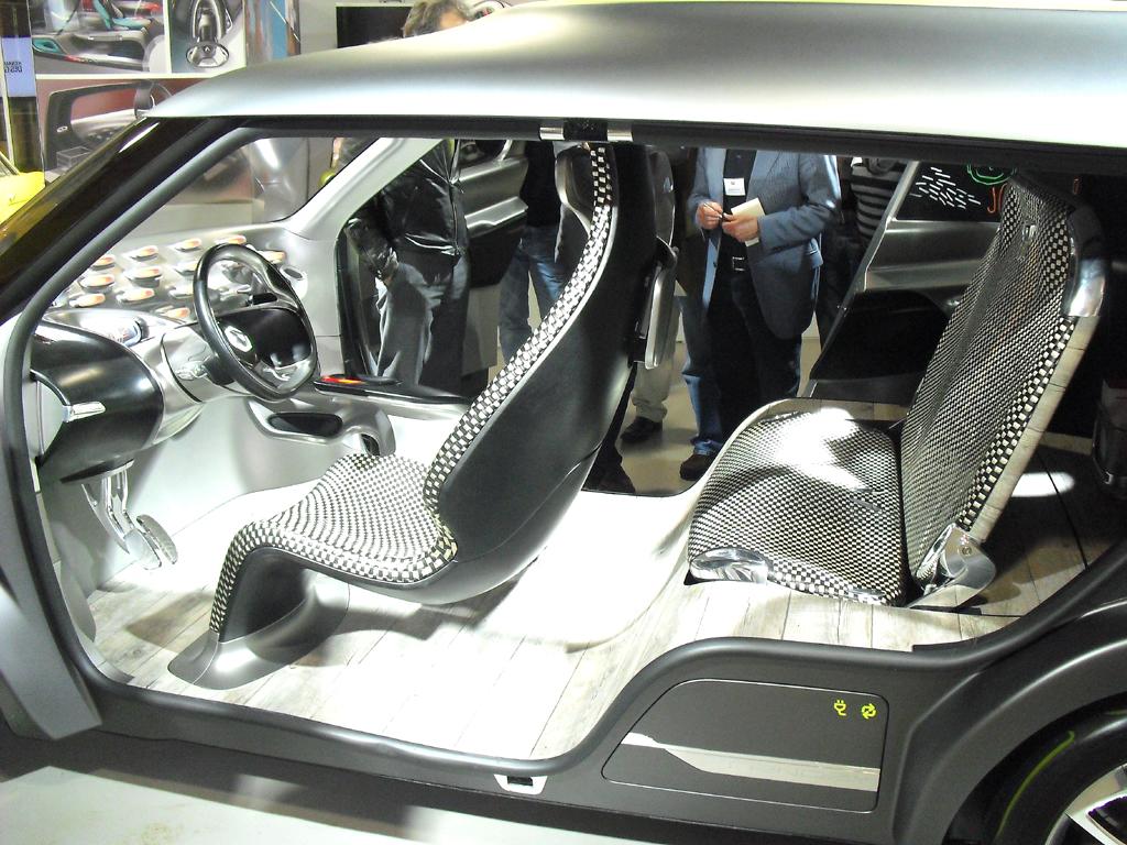 Blick ins natürlich futuristische Innere des Frendzy.