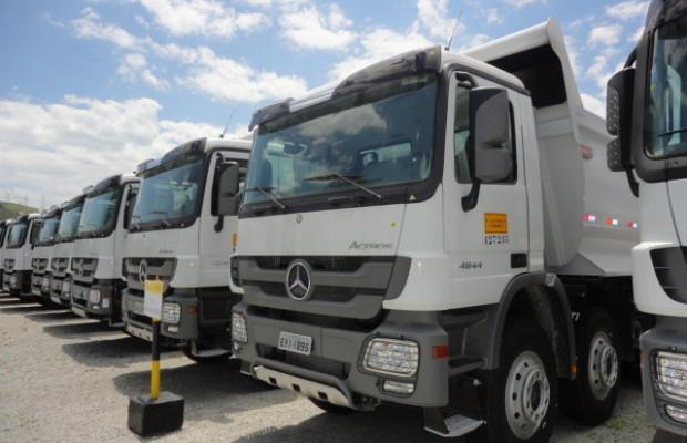 Brasilianischer-Bauriese rüstet seine Flotte mit 115 Mercedes-Benz Lkw auf