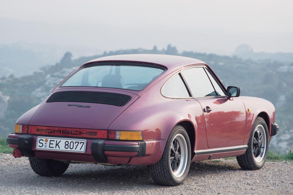 Das G-Modell blickt auf eine lange Bauzeit zwischen 1974 und 1989 zurück. Neben Coupé und Targa gab es auch das Vollcabrio und einen Speedster, Vollverzinkung sichert guten Korrosionsschutz.
