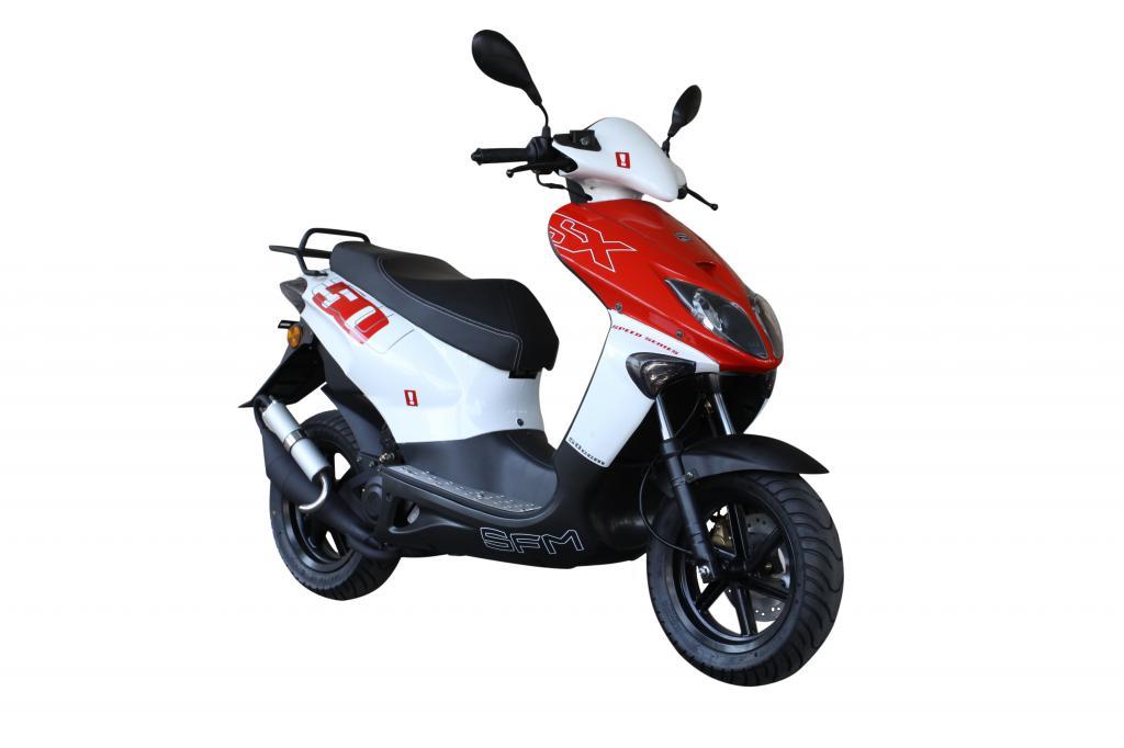 Der 50 ccm-Roller SFM SX kostet bis zum 31. Dezember 2011 1 299 Euro, danach 100 Euro mehr.