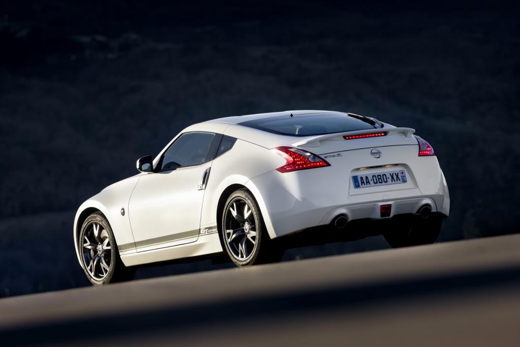 Der Nissan 370Z GT-Edition ist ab sofort in drei verschiedenen Farben ab 43 140 Euro erhältlich.