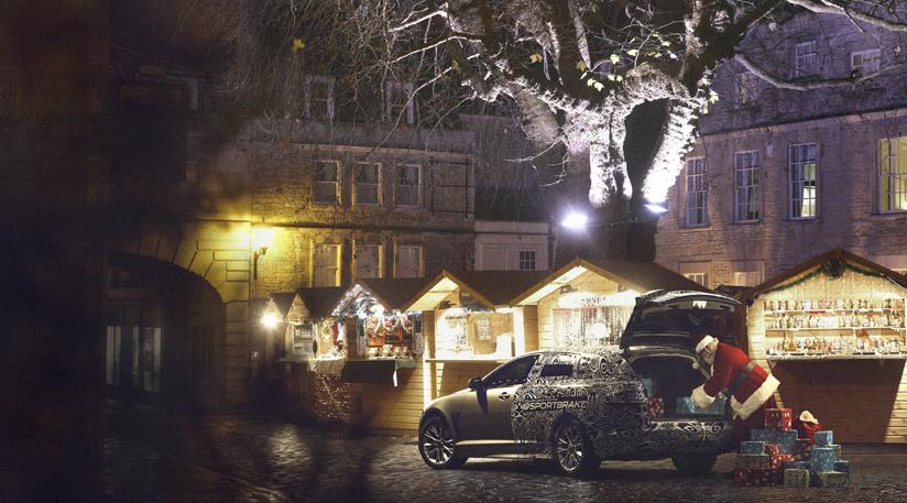 Der Weihnachtsmann fährt Jaguar - copyright: jaguar