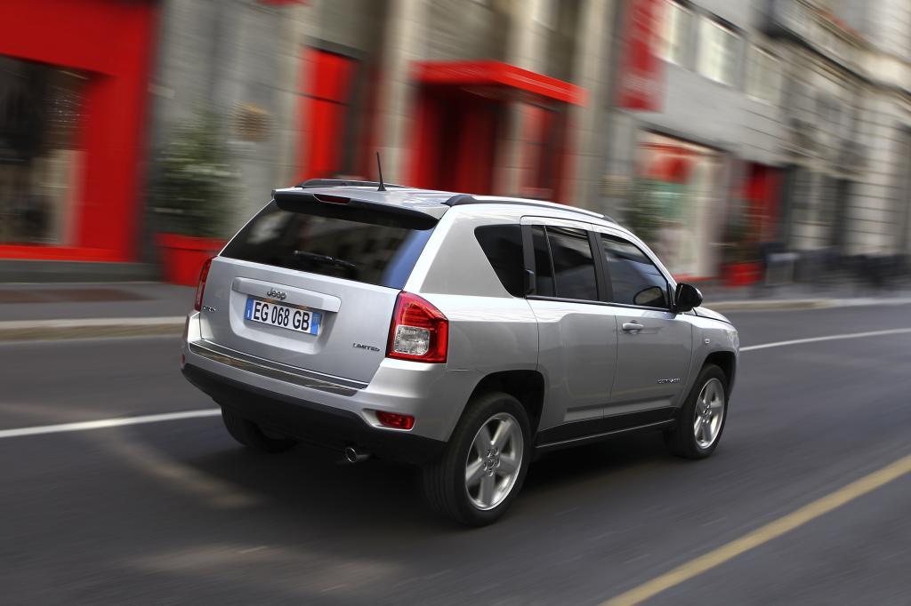 Die Chrysler-Tochter bietet deshalb wieder den kompakten Compass ab 25.200 Euro an