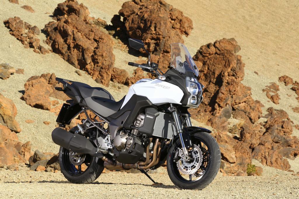 Die Kawasaki Versys 1000 bereichert den Modelljahrgang 2012 als reisetaugliche Großenduro.
