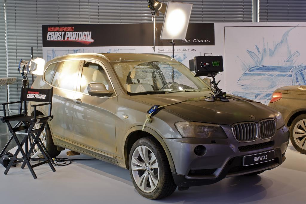 Die Marke nutze die Filmleinwand für die Präsentation ihrer Fahrzeuge