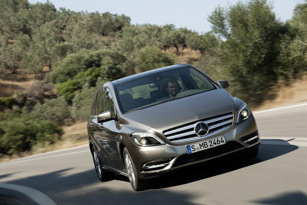 Die Mercedes B-Klasse führ bei den Kompakt-Vans die Liste an