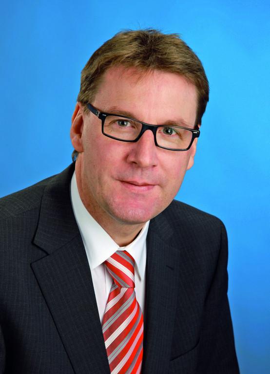 Dr. Andreas Schmidt.